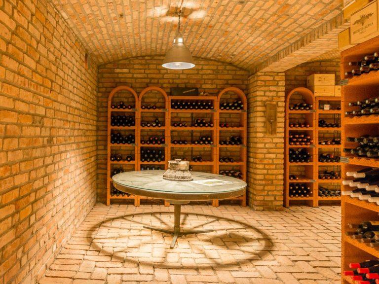 Weinkeller im Haus